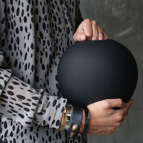 Ball Vase Black L-0